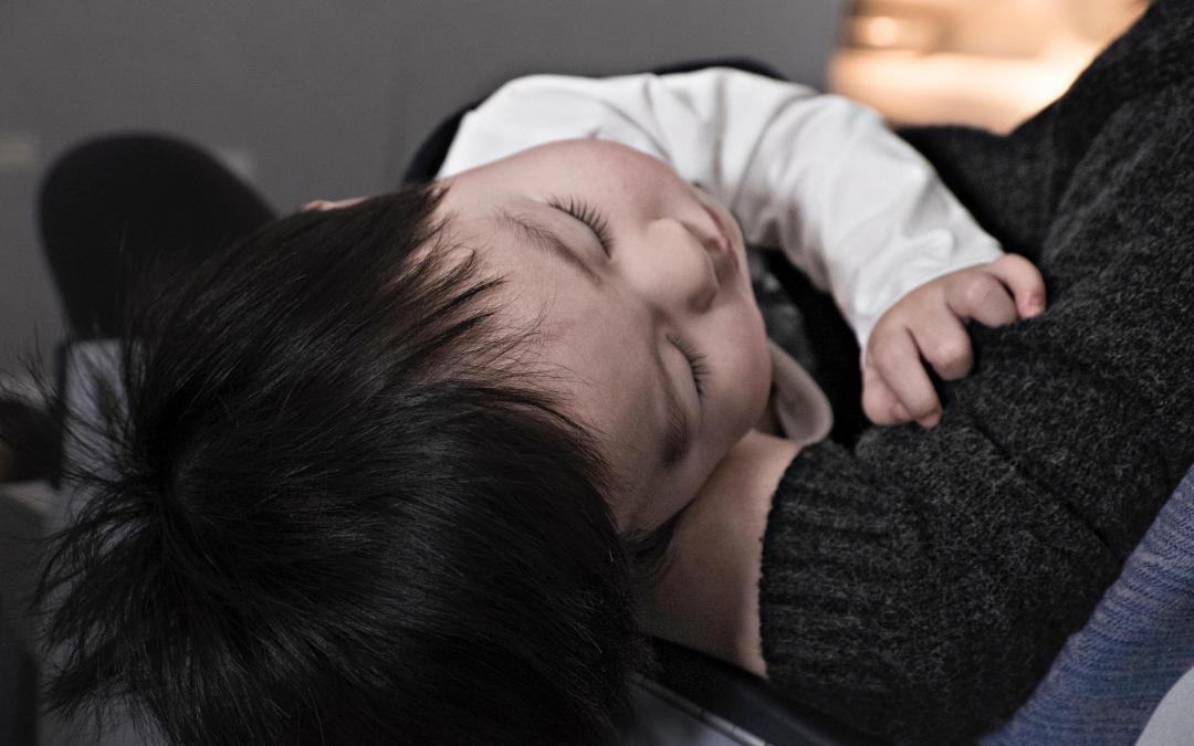 Sådan gør du en mellemørebetændelse tålelig for dit barn