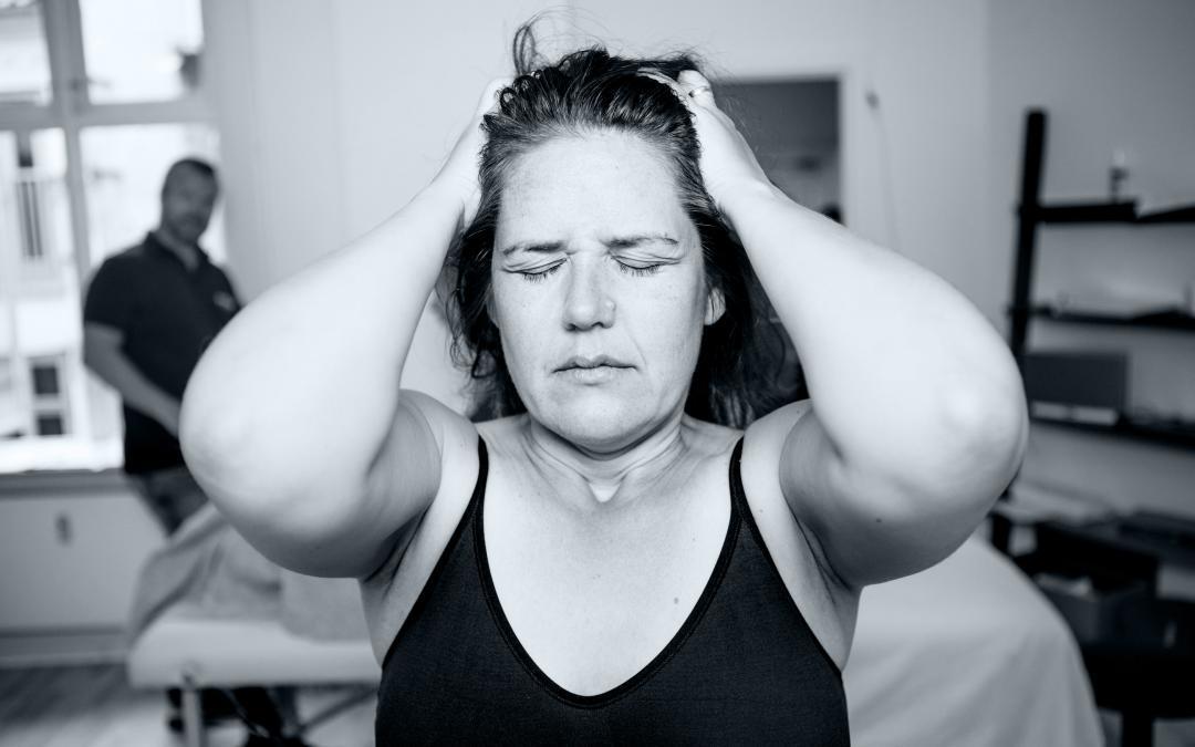 Lær at lindre din hovedpine gennem kropsterapi