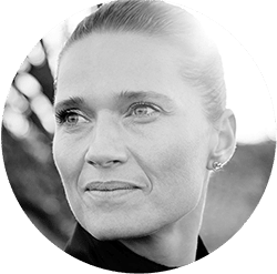 Jeanet-Holos-Terapi-min