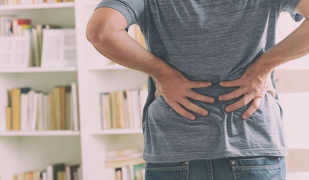 Sådan behandler du hold i ryggen